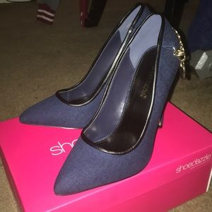 ShoeDazzle Navy Blue Pumps
